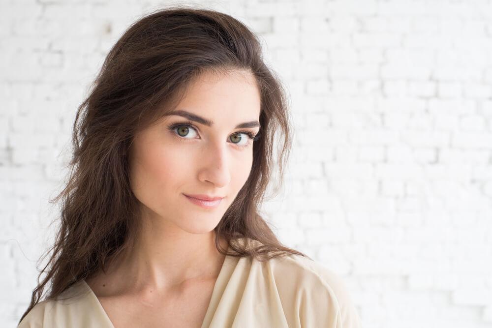 Frau profilbild. Flirten 2.0: Mit diesen Profilbild. 2019